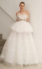 модное свадебное платье с пышной юбкой Francesca Miranda
