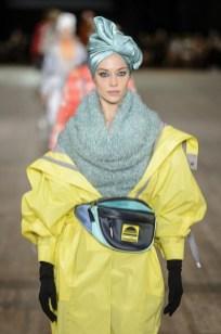 Mark Jacobs тренд напоясная сумка мода весна лето 2018