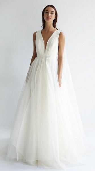 Leanne Marshall свадебное платье с глубоким декольте - тренд 2019