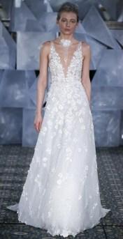 Mira Zwillinger свадебное платье с глубоким декольте - тренд 2019
