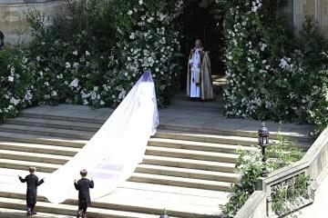 свадебное платье Meghan Markle все детали : дезайнер, ткань, крой, фата и драгоценности