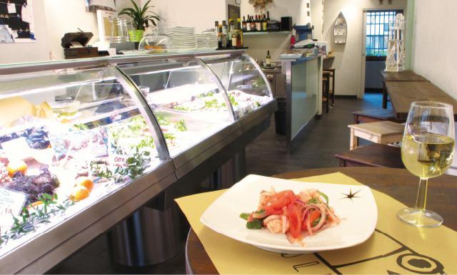 где поесть вкусно и недорого в Милане рыбу