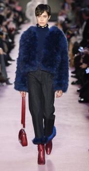 Blumarine модные итальянские шубы оверсайз зима 2019 в милане