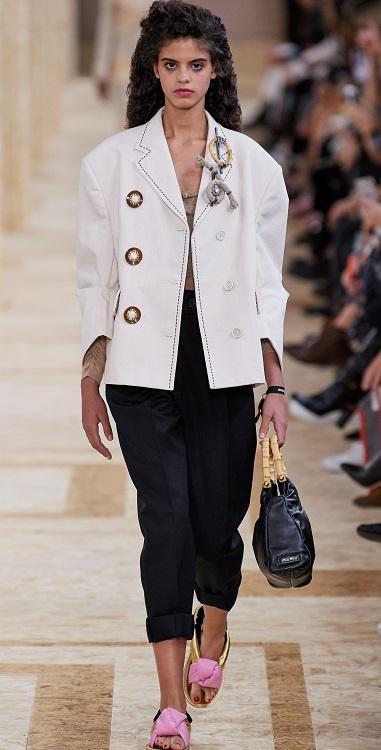 как модно носить броши в 2020 году