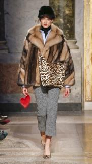 Simonetta Ravizza модная итальянская шуба из соболя зима 2019 в Милане