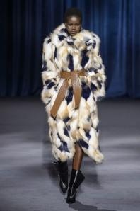 givenchy модные итальянские шубы в Милане зима 2018 2019