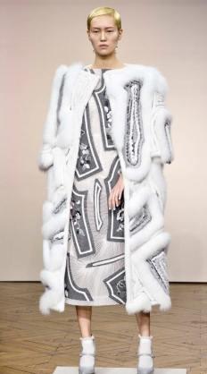 модные итальянские шубы в Милане зима 2018 2019 thom browne