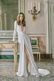 модное свадебное платье Monique Lhuillier 2020 с разрезом на юбке