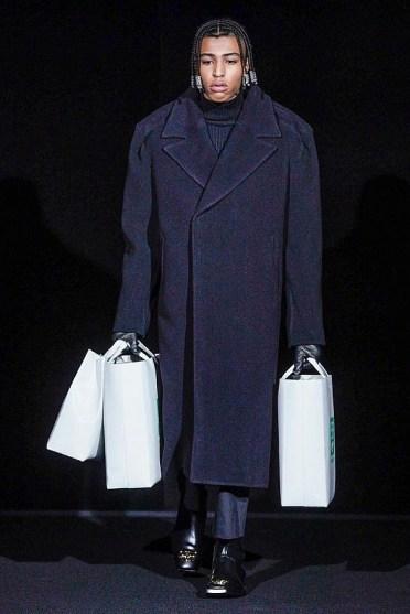Balenciagaмодное пальто оверсайз осень зима 2019 2020