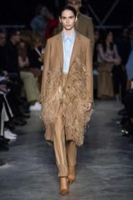 модное пальто верблюжье