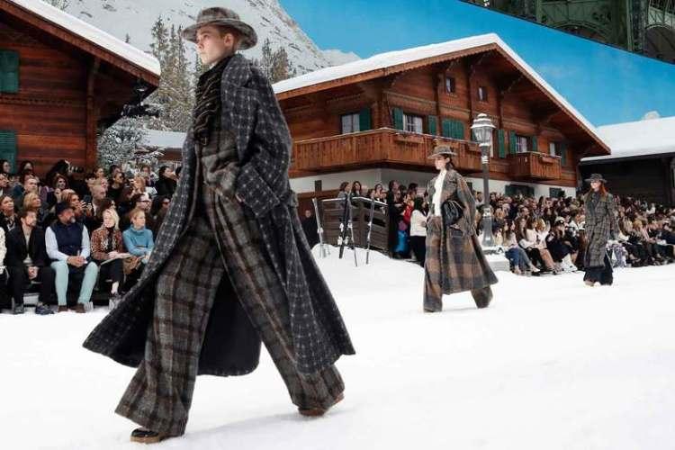 Модное пальто Шанель осеь зима 2019 2020