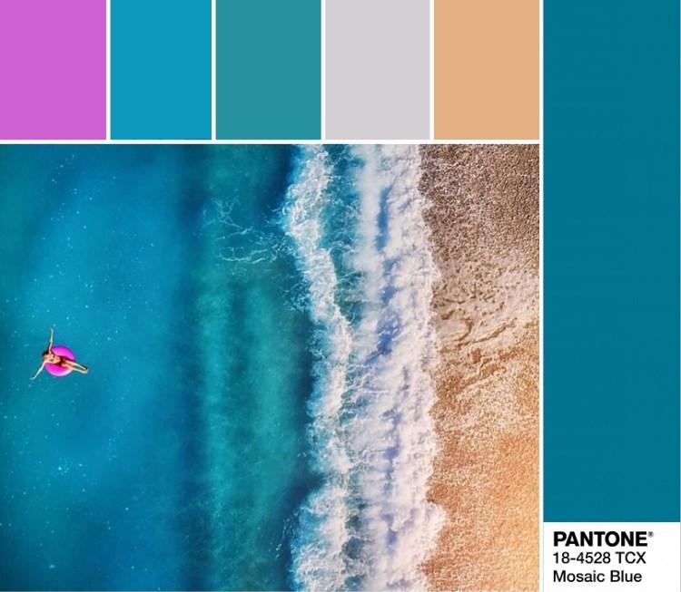 модные цвета весны и лета 2020 PANTONE 18-4528 Mosaic Blue