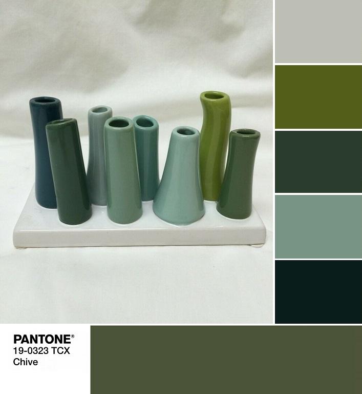 модные цвета весны и лета 2020 PANTONE 19-0323 Chive