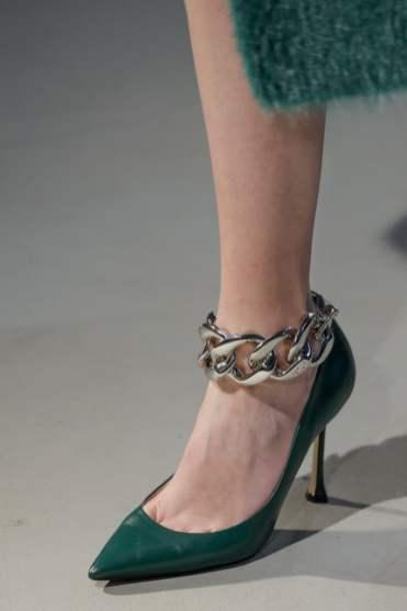 модные тенденции 2020 обувь - цепи