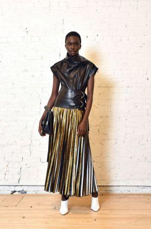 мода тенденция плиссе 2020