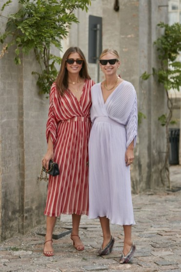 модные платья плиссе 2020 года