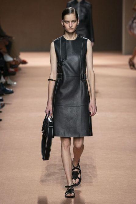 модное черное платье фуьляр лето осень 2020