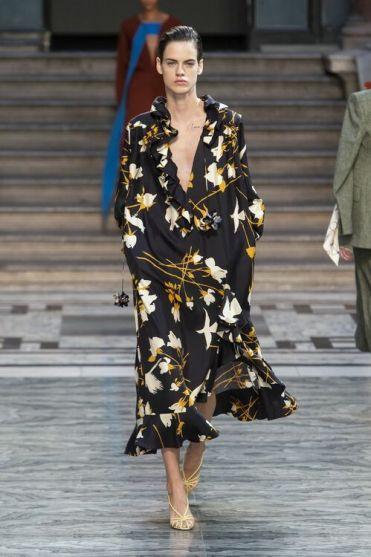 модное платье c воланом 2020 год