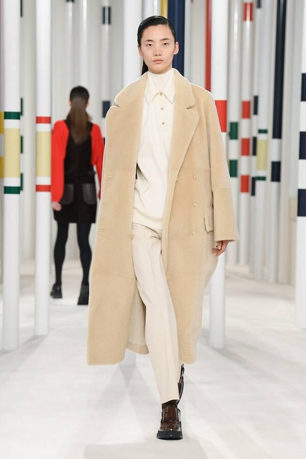 модное пальто из овчины 2020 2021