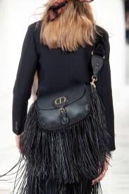 тенденции модные сумки 2020 2021 тенденция сумка с бахрамой