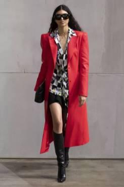 Модные пальто 2021 2022 тренд пальто красного цвета