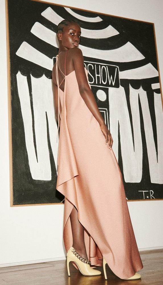 модные платья 2021 тренд завязки и бретели