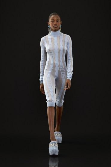 модные тенденции осень-зима 2021 2022 обтягивающий комбинезон