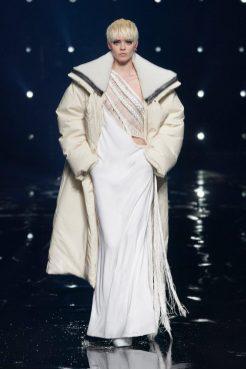 модные тенденции женской моды осень зима 2021 2022 модная вещь пуховик