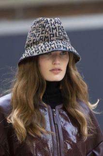 Longchamp модные шапки осень зима 2021 весна 2022 тренд шляпа ведро street style