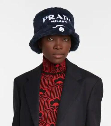 модные шапки осень зима 2021 весна 2022 тренд шляпа ведро Prada