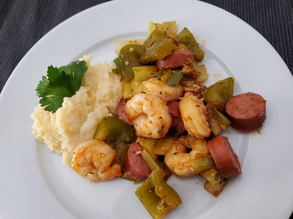 shrimp and kielbasa with grits