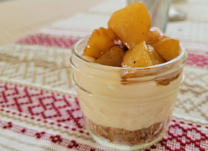 No-bake cheesecake in a jar