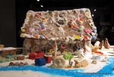 Lebkuchen-Haeuser in der Schrannenhalle in Muenchen