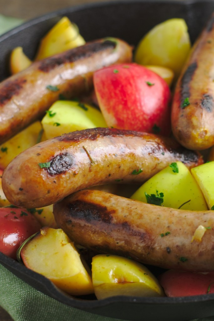 Fried Sausages and Apples