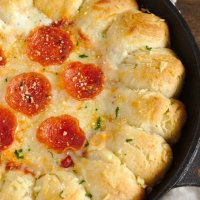 Garlic Bread Pizza Dip