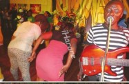 PICS...WOW!...SEE WHAT SOME MARRIED LADIES DO WHEN DRUNK!