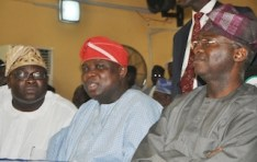 WHO OF THESE TWO CANDIDATES APPEAR HEALTHIER TO GOVERN LAGOS?...ABEG TELL FASHOLA!