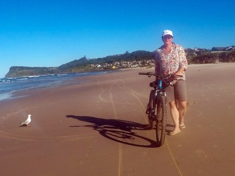 Easy ride but Joanne's leg was still recovering from previous 7 Mile Beach a few days earlier
