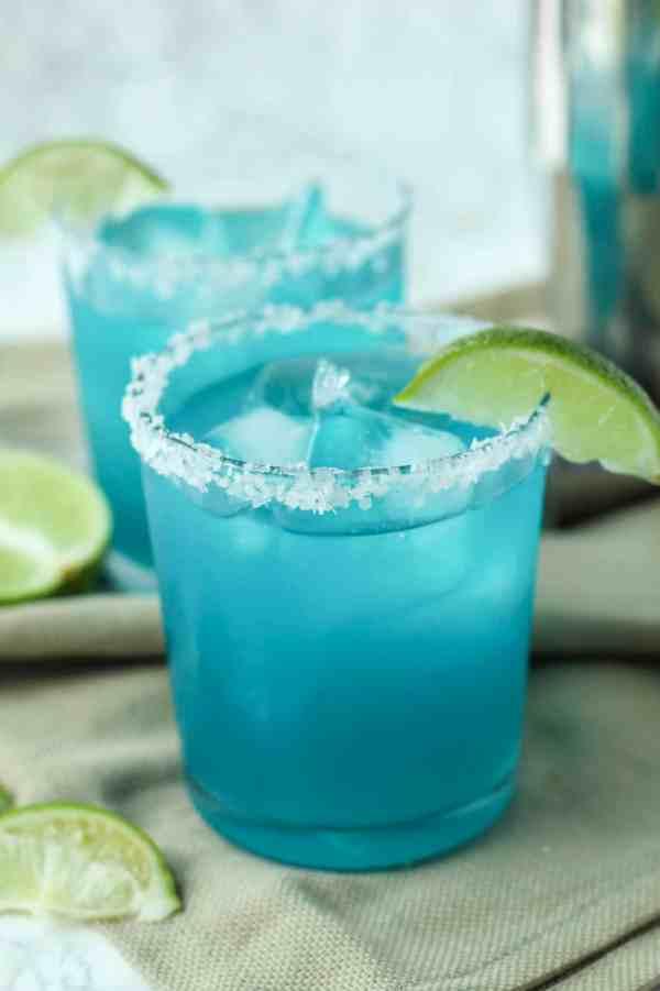 Blue Margarita | summer drink recipes