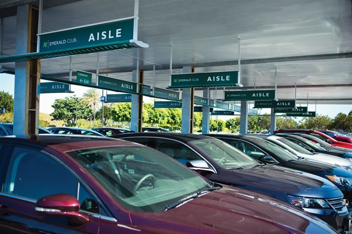 Only Emerald Club® lets you bypass the counter and choose any vehicle on the Emerald Aisle®. Take the virtual tour of the National Car Rental(R) Emerald Club® today.
