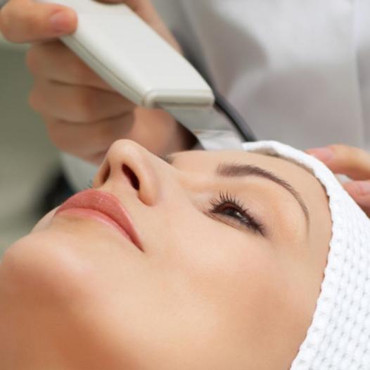 Limpieza-Facial-con-Espatula-Ultrasonica