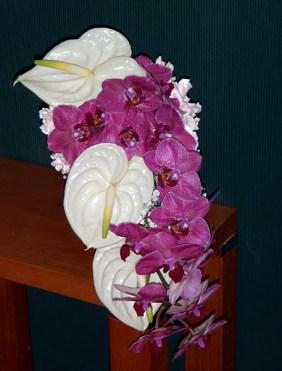 Каскаден букет в розово