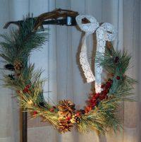 Коледен венец от естествени материали