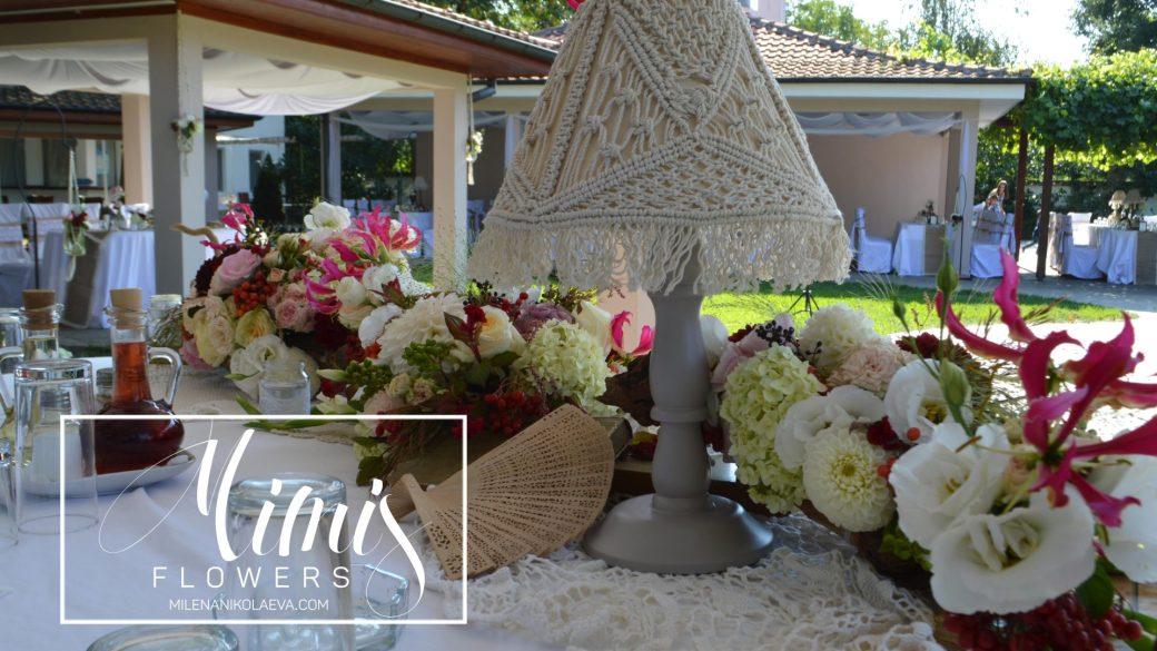 Градинска сватба с макраме и криви корени