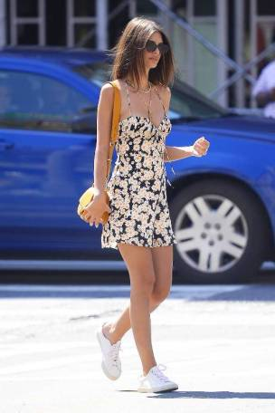 white-sneakers-outfits-263663-1532469098822-image.500x0c