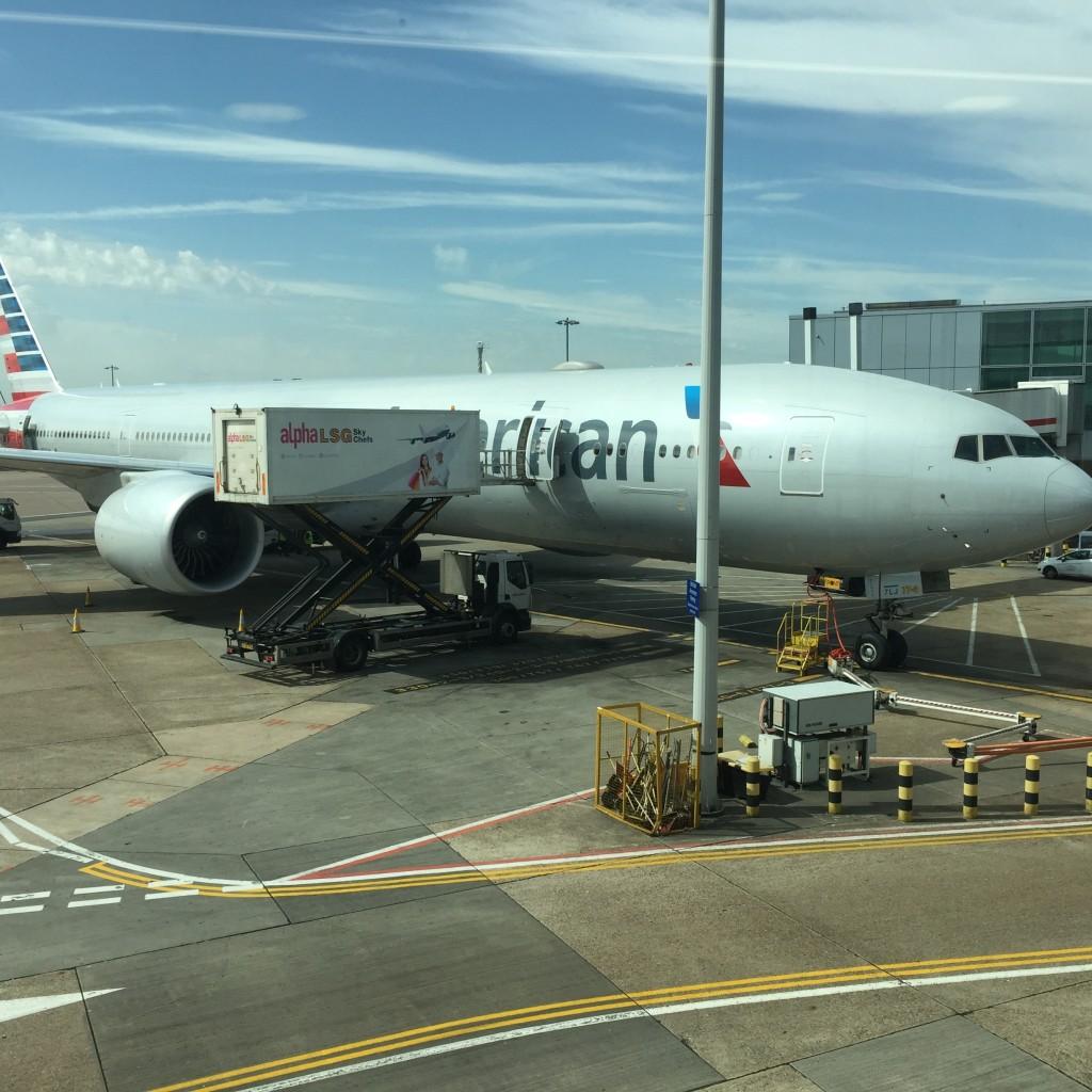 AA 777 at LHR