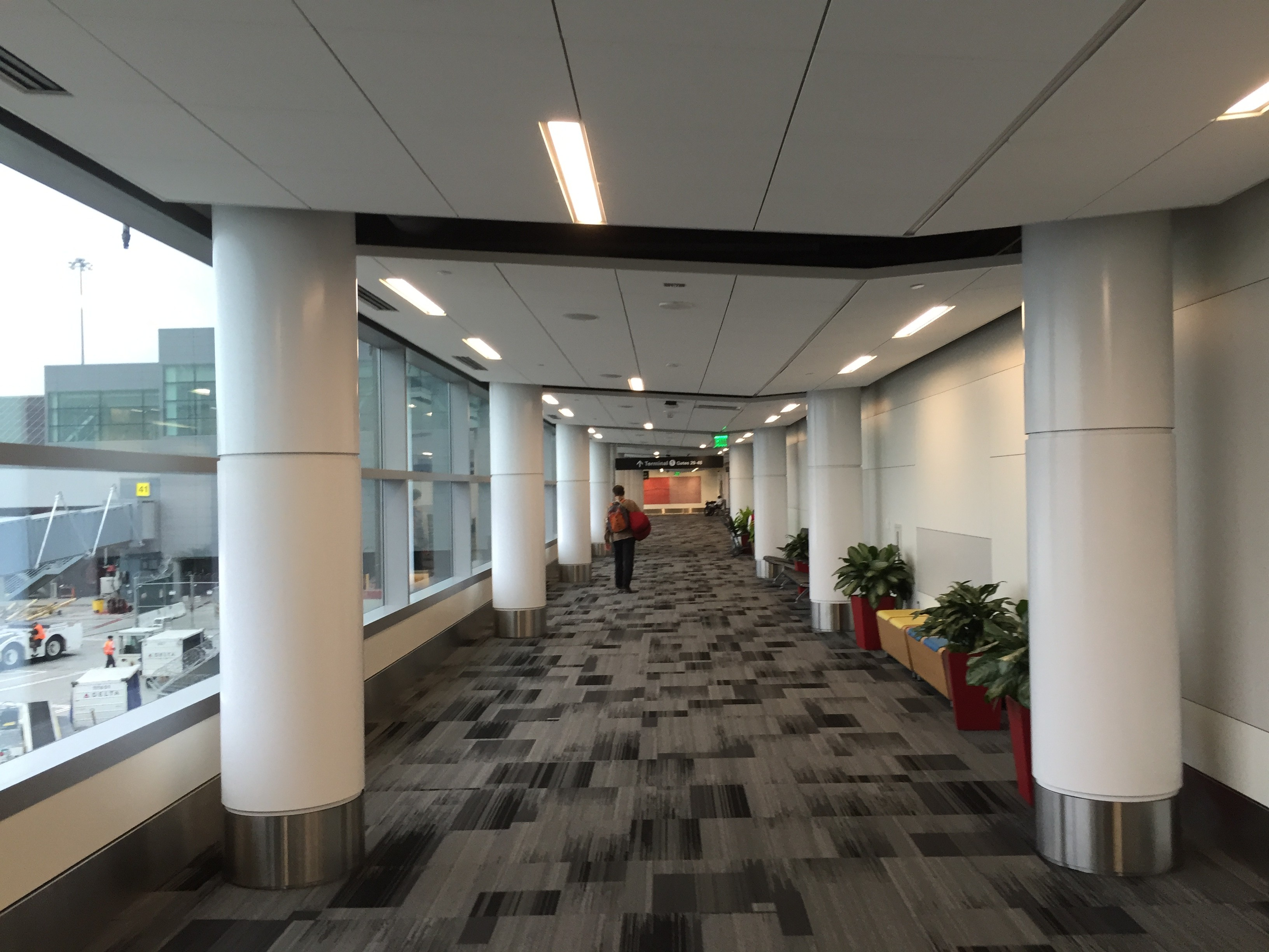 United to remain in Terminal 1 at SFO until 2014 - TravelSkills