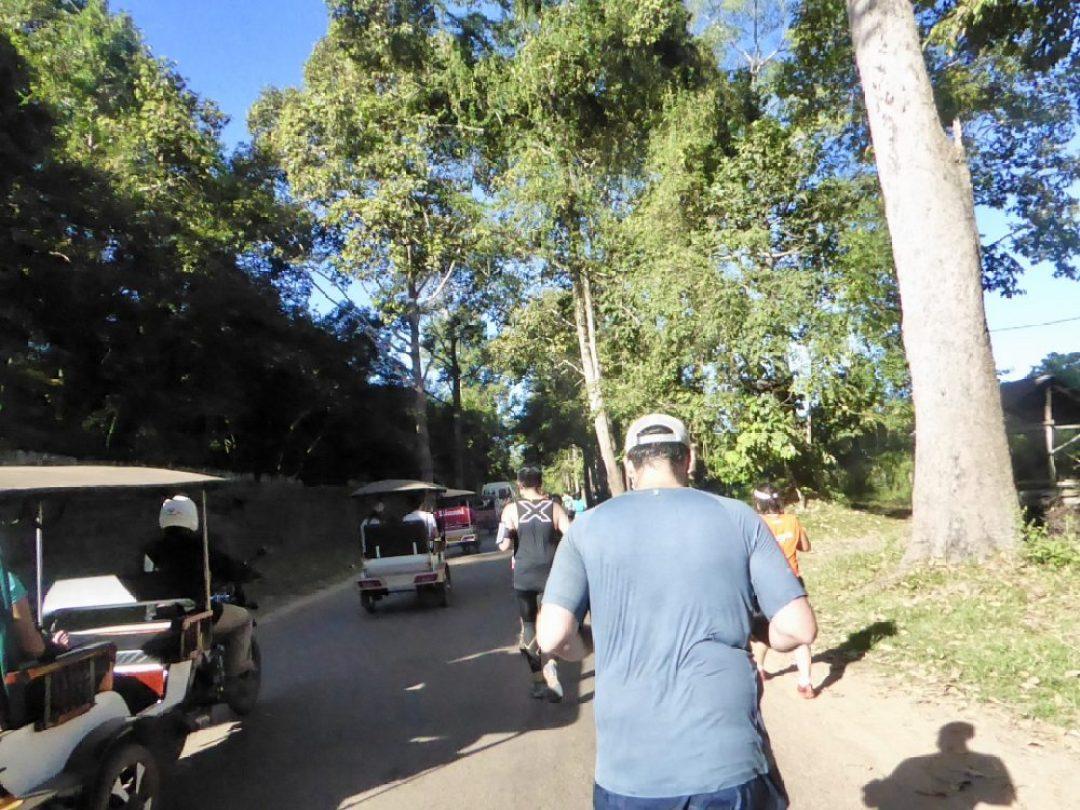 Tuk-tuk traffic and running