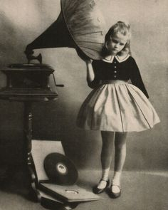 "Poyntz (1933) empirically confirmed toys and the Victrola as ""potent distractors"" Image Source: https://www.pinterest.com/pin/163677767679895624/"