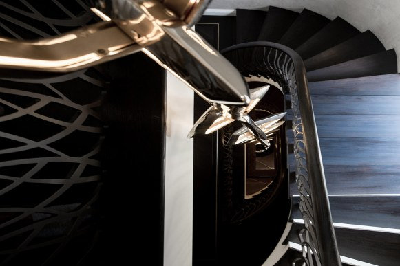 project-lewis-staircase-lighting-sculputre